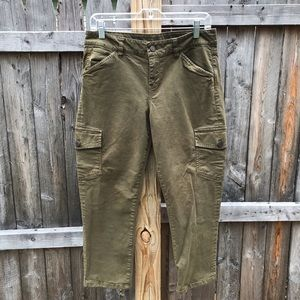 Talbots Cargo cropped Hunter Green Petite Pants